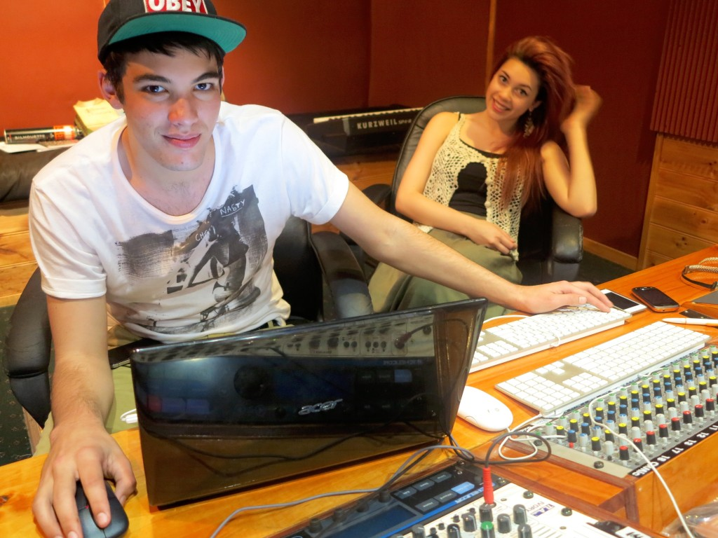 Kelebek working with Pacifica in the studio for her JB HiFi recording Prize