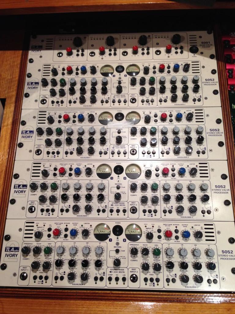 TLA Drum rack studio 52 kool